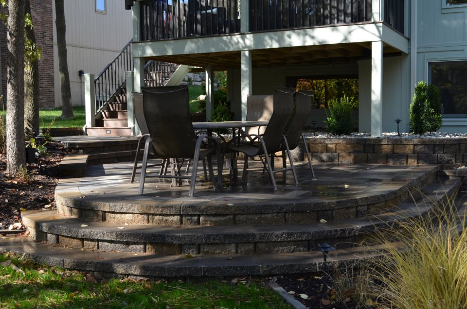 Outdoor Living spaces designed by the General Contractors at Artisan Construction, 7321 N Antioch Gladstone, MO  64119